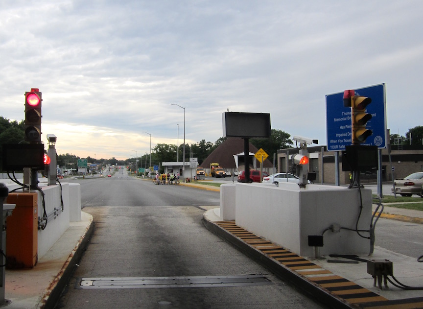 RT40 toll gave and the main group ahead